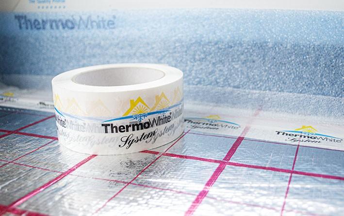 ThermoWhite-System-Klebeband auf Trittschallfolie